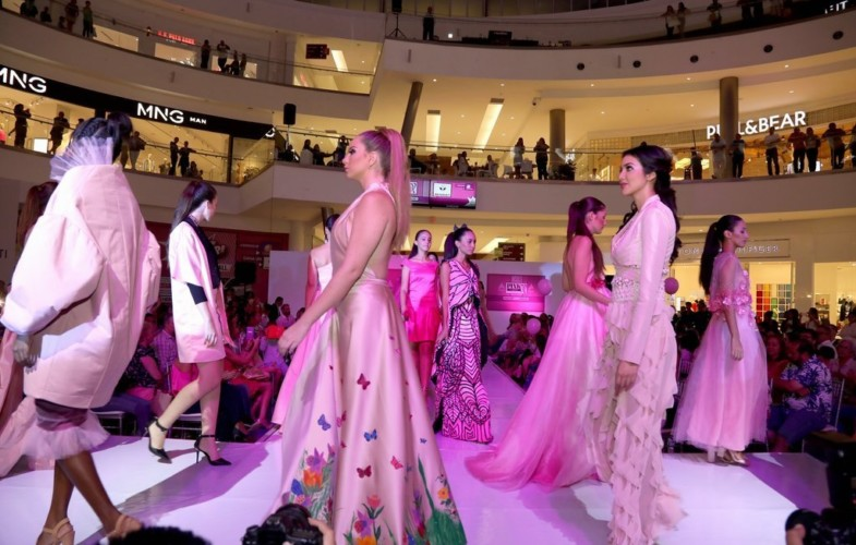 Pink Fashion Show a beneficio de FundaCáncer